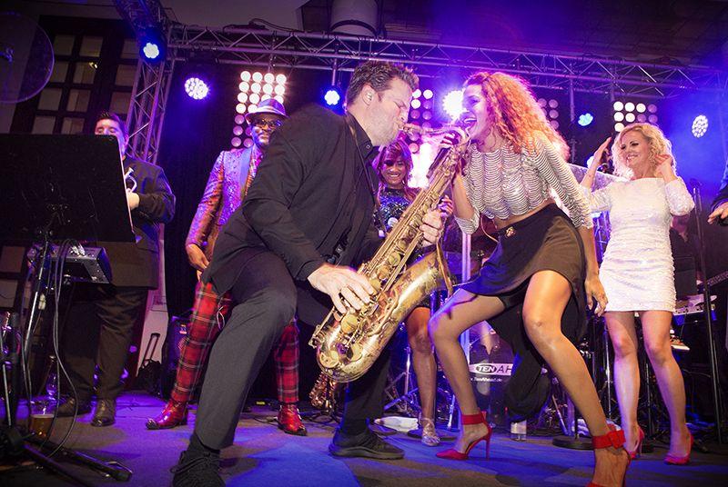 Buchungsvarianten Saxophonist Köln
